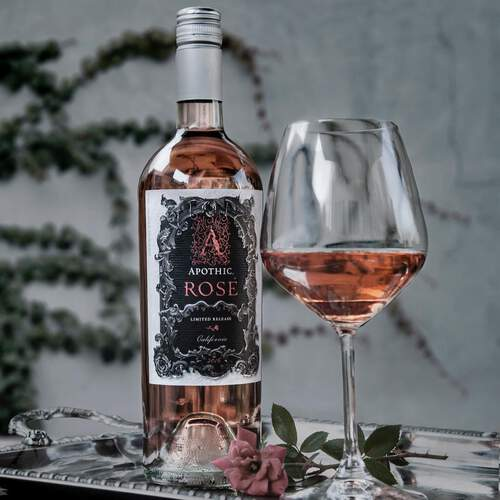 Apothic Rosé and Wine Glass